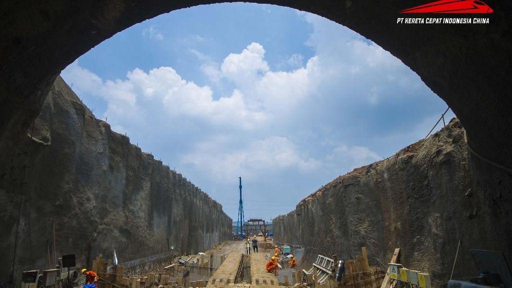 Wow! Terowongan Kereta Cepat JKT-BDG Dibangun Tembus Gunung