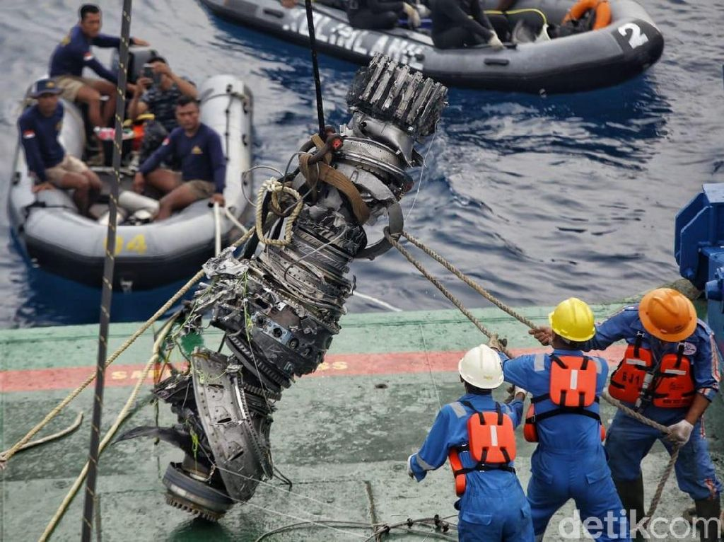 Penyebab Pasti Jatuhnya Lion Air di Laut Karawang
