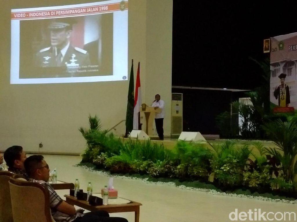 Wiranto Ungkap Alasan Tak Ambil Alih Pemerintahan RI saat Krisis 98