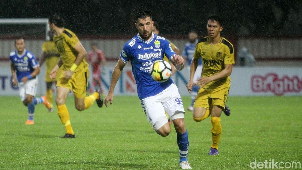 10 Pemain Persib Kalahkan Bhayangkara FC