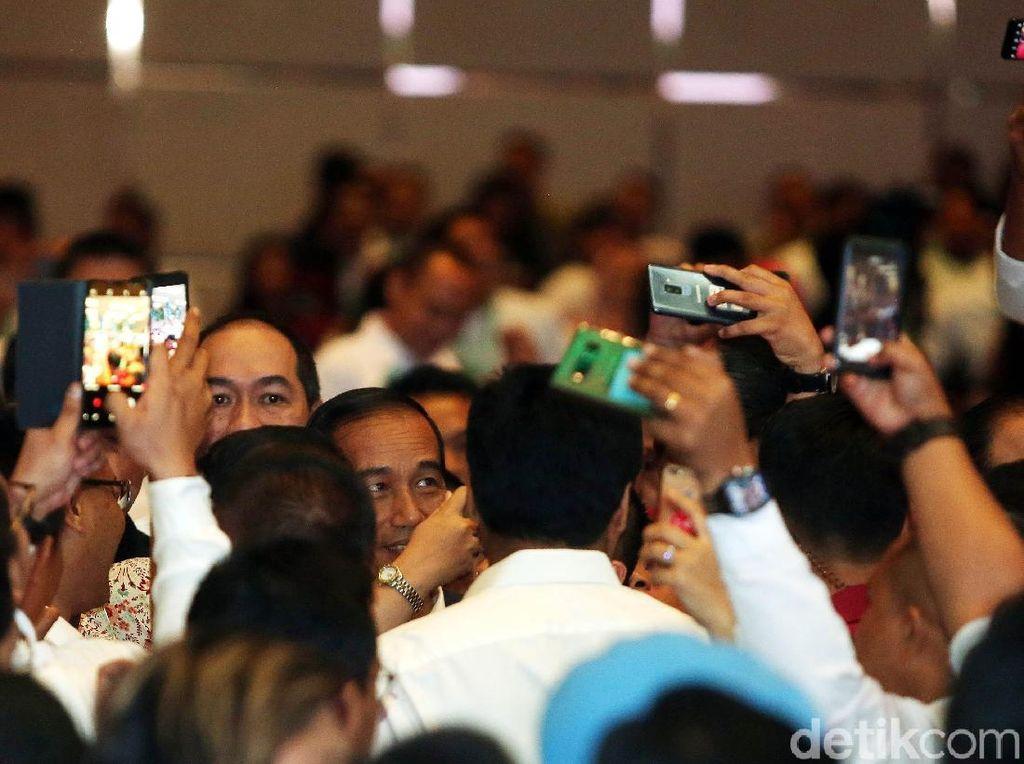 Jokowi Hadiri Deklarasi Relawan Pengusaha Muda Nasional