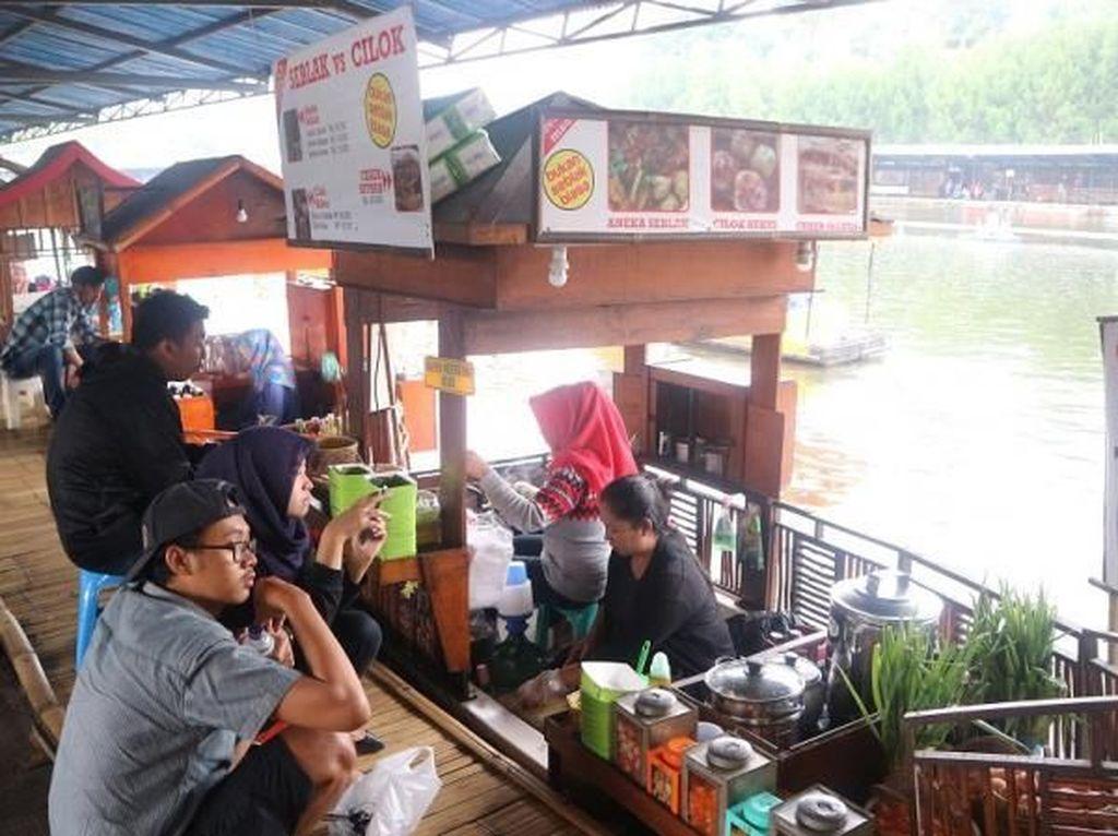 Cobain Deh, Wisata Kuliner di Floating Market, Lembang