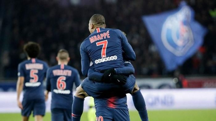 Kylian Mbappe dan Neymar bertahan di Paris Saint-Germain? (AFP Photo)
