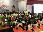 Ikuti Gerakan Silat Banten, Jokowi: Saya Bangga Bela Diri Asli RI