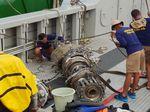 Tim SAR Berhasil Angkat Turbin Pesawat Lion Air PK-LQP