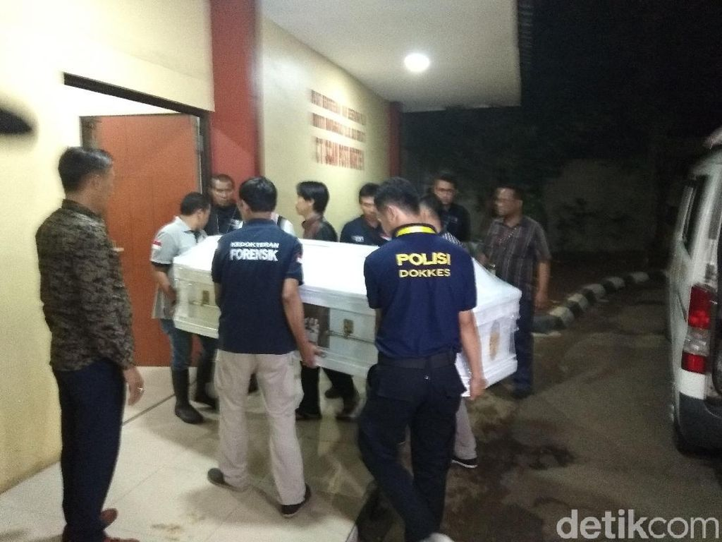 2 Keluarga Korban Lion Air PK-LQP Ambil Jenazah di RS Polri