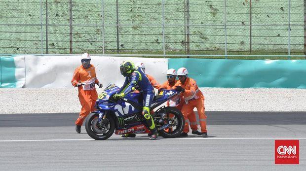 Valentino Rossi terjatuh di MotoGP Malaysia 2018.