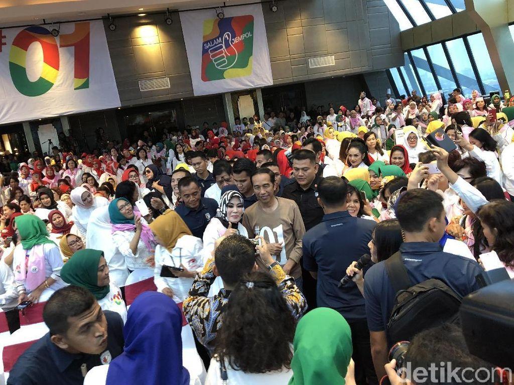 Jokowi Serahkan SK Perhutanan Sosial 8.617 Ha ke Petani Jabar