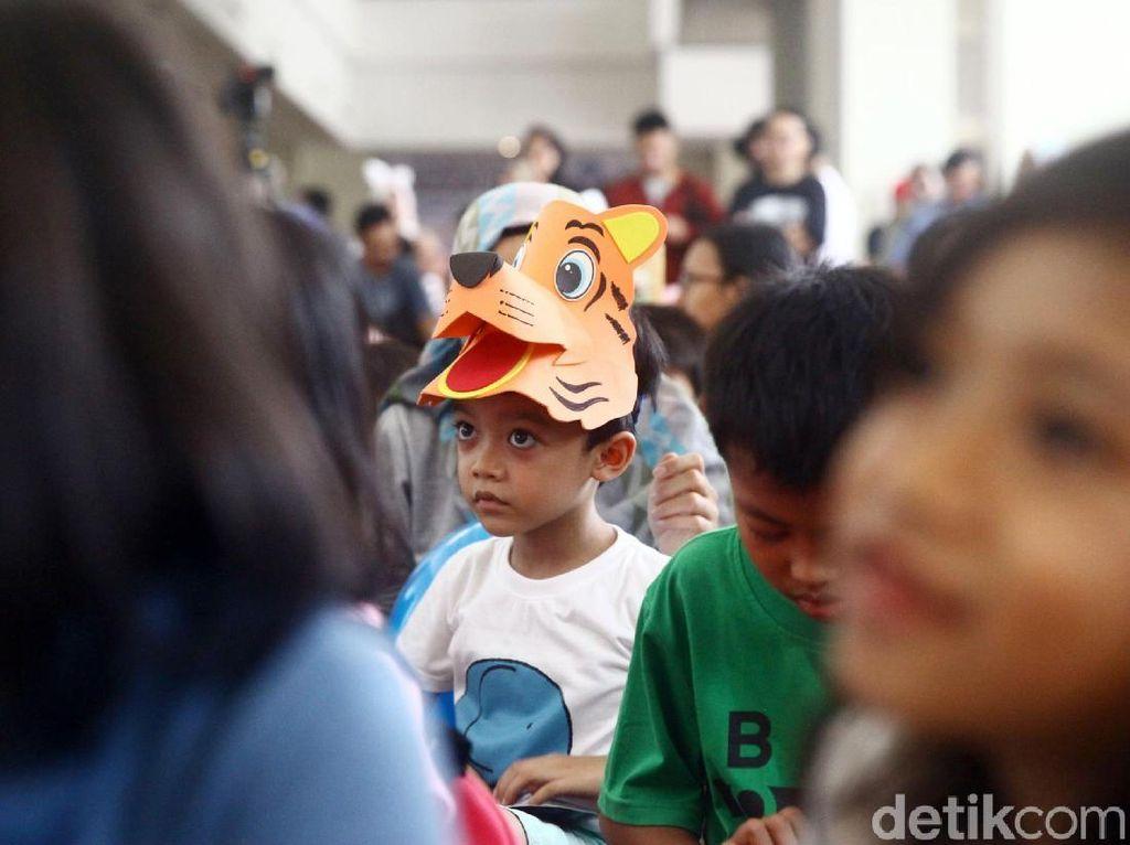 Ekspresi Anak-anak Mendengar Dongeng Kisah Bahagia
