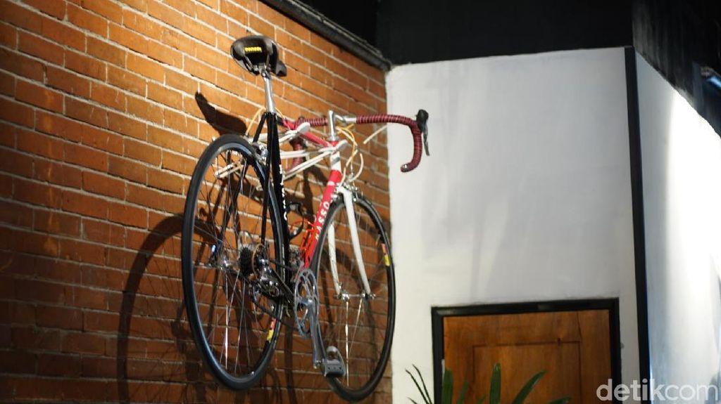Tempat Ngumpul Komunitas Pesepeda yang Lagi Ngehits