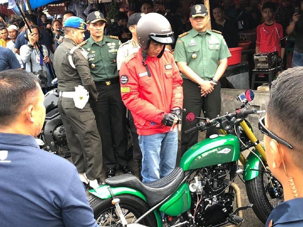 Begini Gaya Jokowi Sunmori ke Pasar Anyar