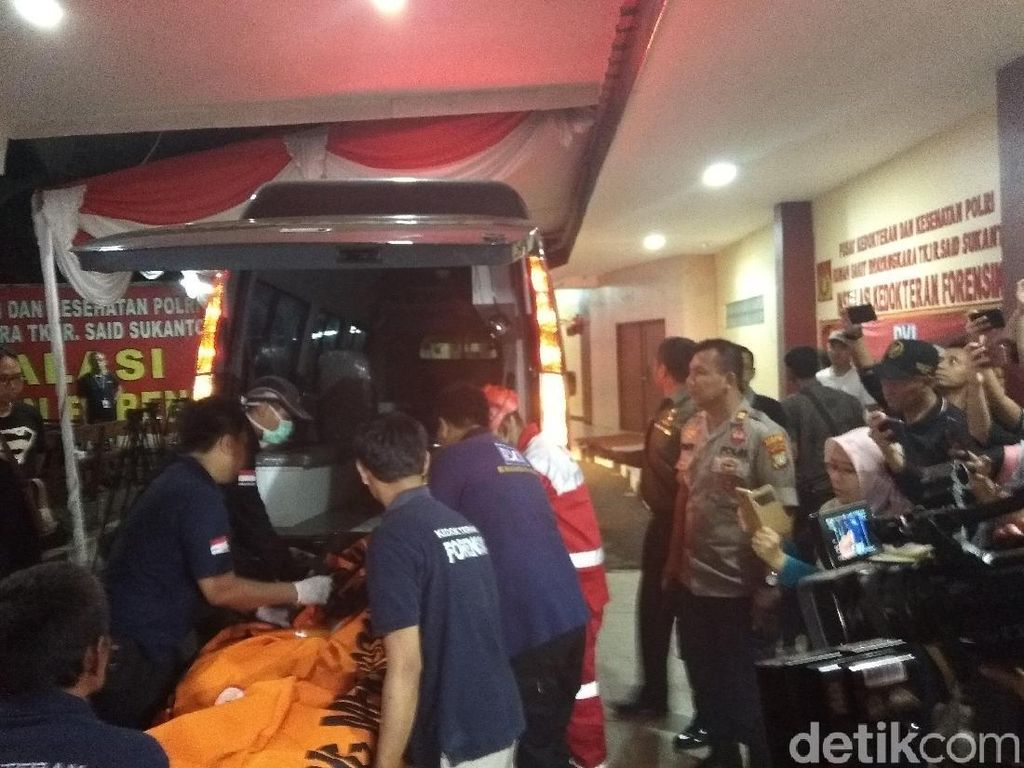 Evakuasi Dihentikan, DVI Polri Lanjut Identifikasi Korban Lion Air