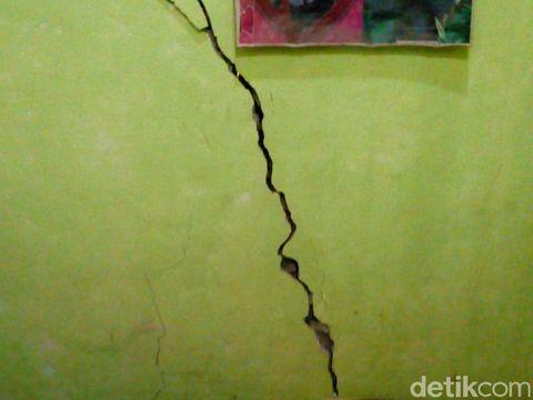 Hujan Deras Picu Tanah Gerak di Banjarnegara, Begini Kondisinya