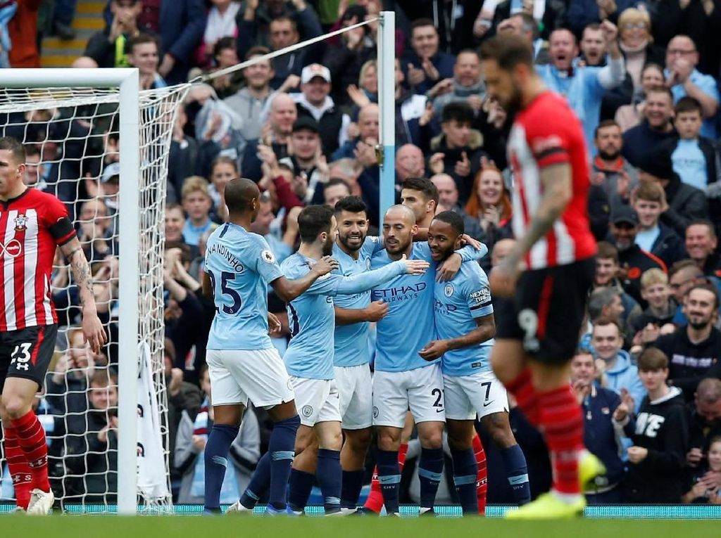 Pesta Gol ke Gawang Southampton, City ke Puncak Klasemen