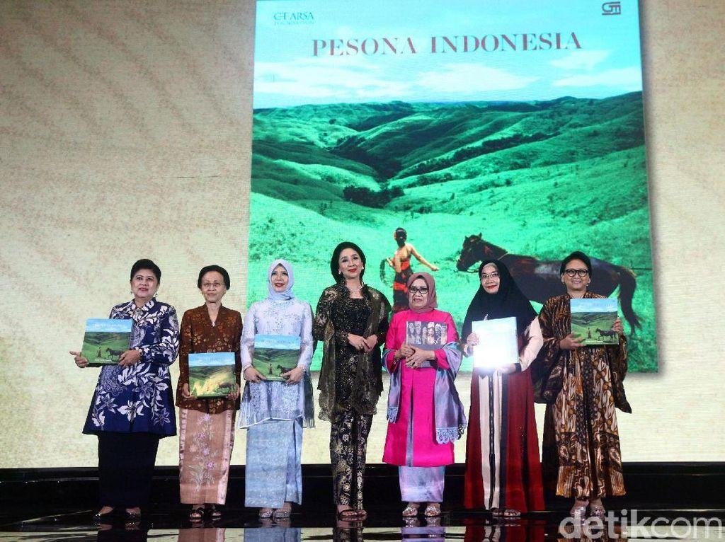 Anita Tanjung Luncurkan Buku Pesona Indonesia