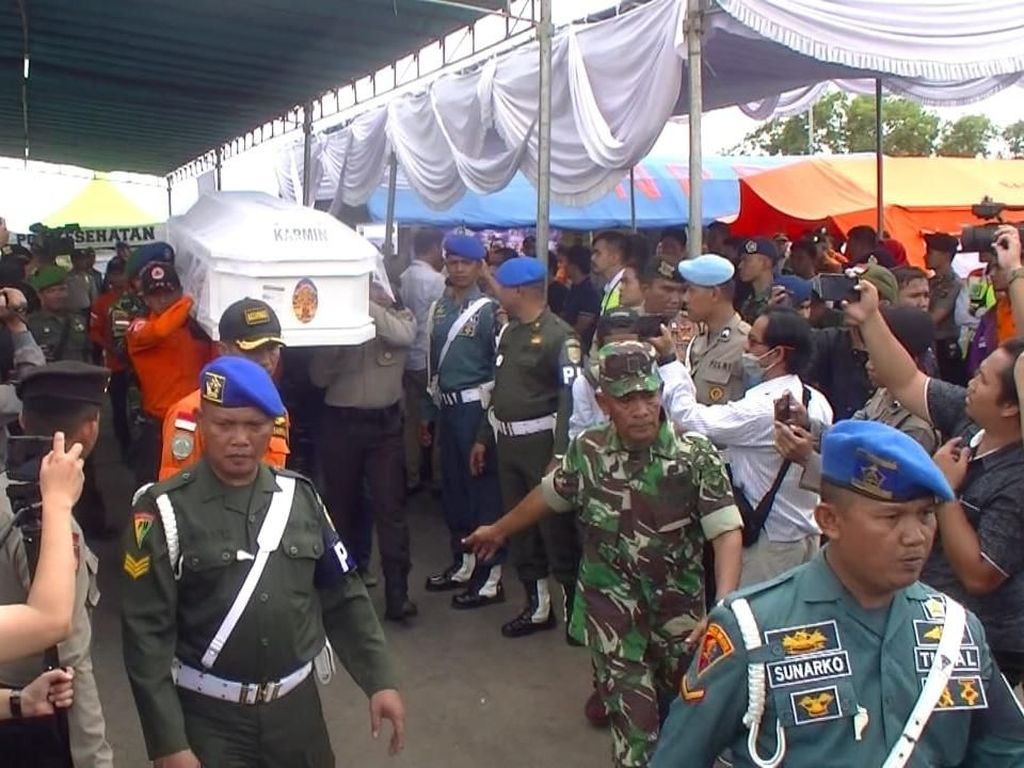Korban Pertama Lion Air Jatuh Asal Babel Tiba di Pangkalpinang