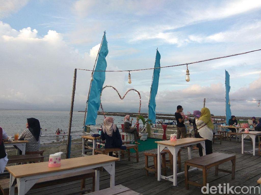 Yang Baru dari Banda Aceh: Pantai Kampung Jawa
