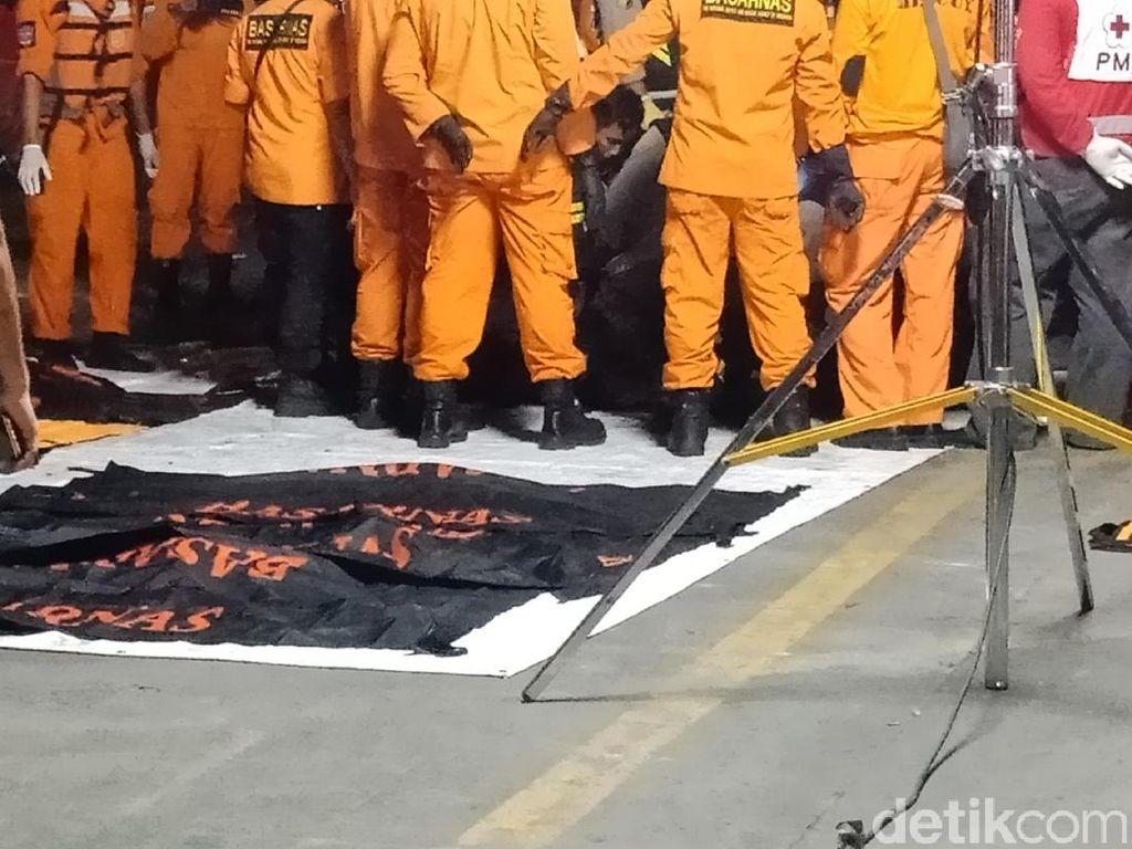 11 Kantong Jenazah Korban Lion Air Tiba di Tanjung Priok