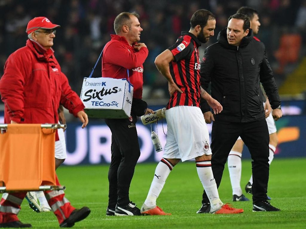 Milan Hadapi Real Betis Tanpa Higuain