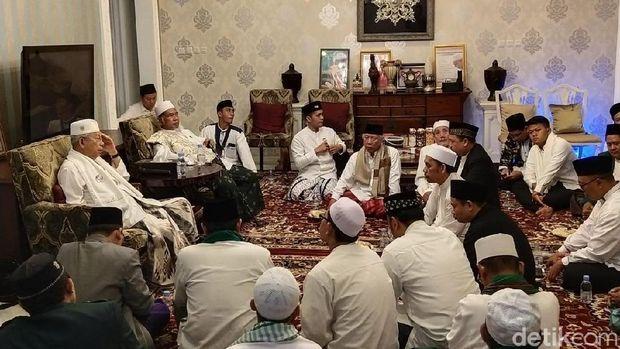 Ma'ruf Amin Ditemui Ulama se-Jakarta di Rumah Pemenangan