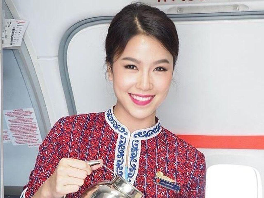 Terpikat Pesona Ratu Kecantikan Thailand yang Jadi Pramugari Lion Air