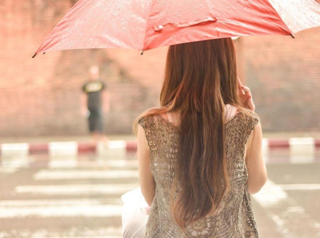 Apa yang Dirasakan Ketika Turun Hujan, Lapar atau Teringat Mantan?