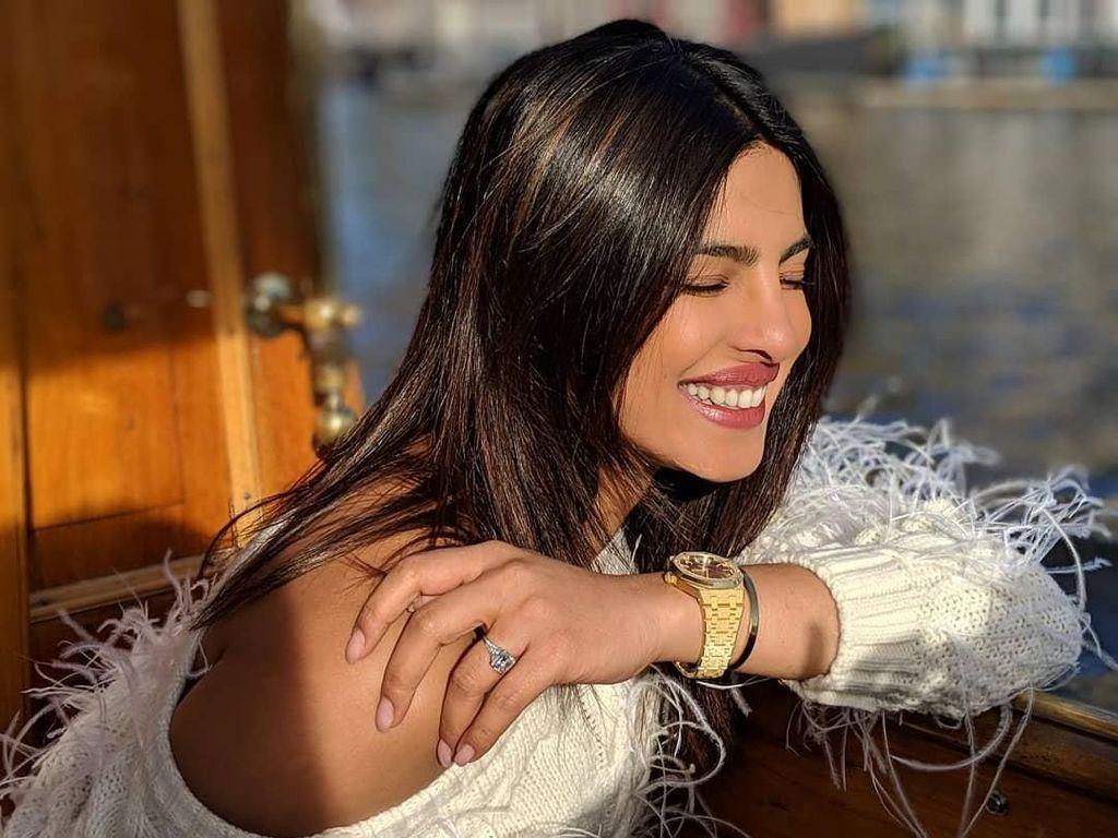 Daftar Hadiah Pernikahan yang Diminta Priyanka Chopra, Isinya Nggak Nyangka