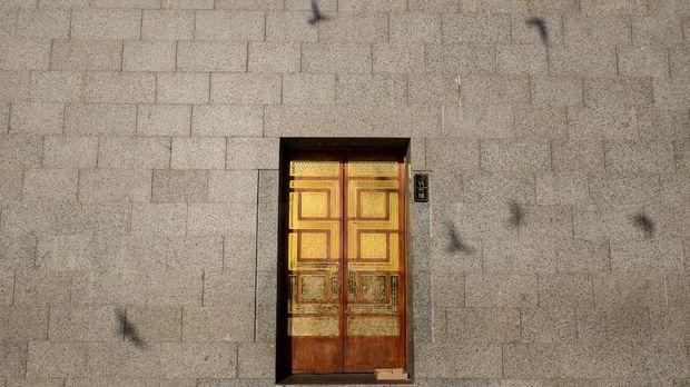 Salah satu pintu Masjid Quba, Madinah. (ANTARA FOTO/Ismar Patrizki)