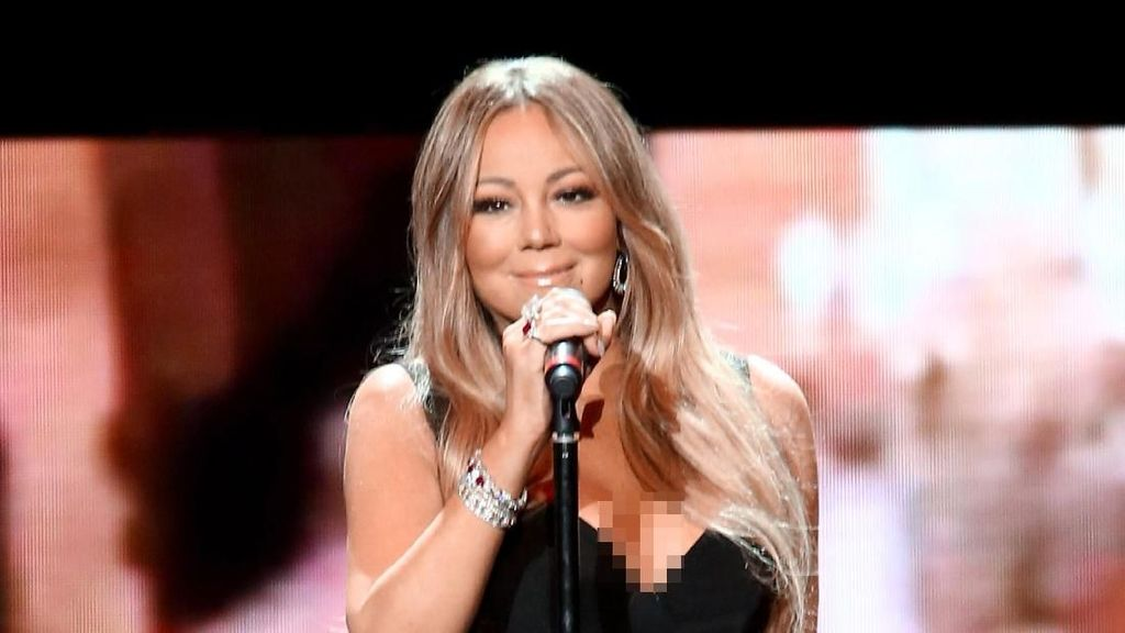 Ultah Ke-49, Mariah Carey Tetap Bergaya Seksi Seperti Semasa Muda