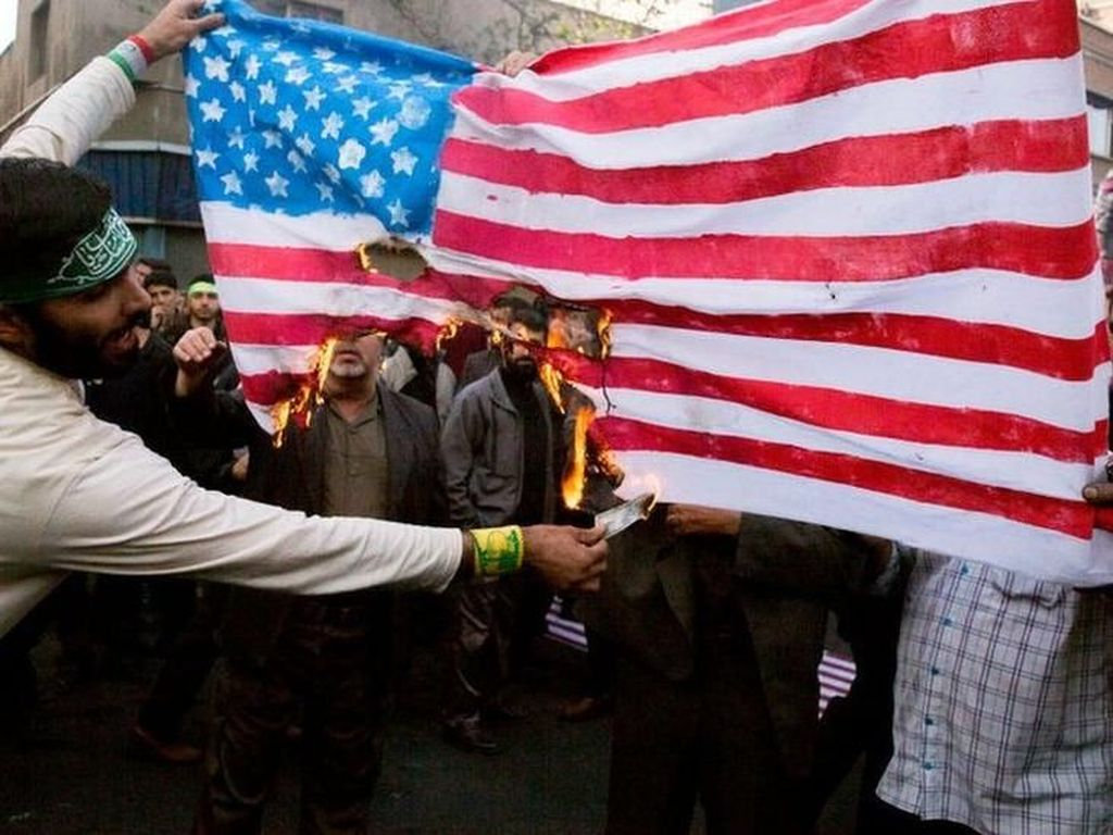 AS Terapkan Sanksi Terberat, Apakah Iran Bisa Tumbang?