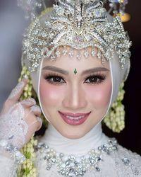 Pengantin Sunda Hijab Saubhaya Makeup