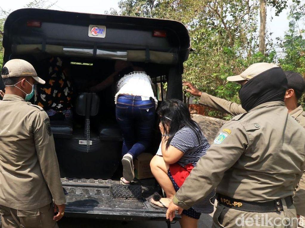 Nekat Kerja di Siang Bolong, 7 PSK Diciduk Satpol PP Pasuruan