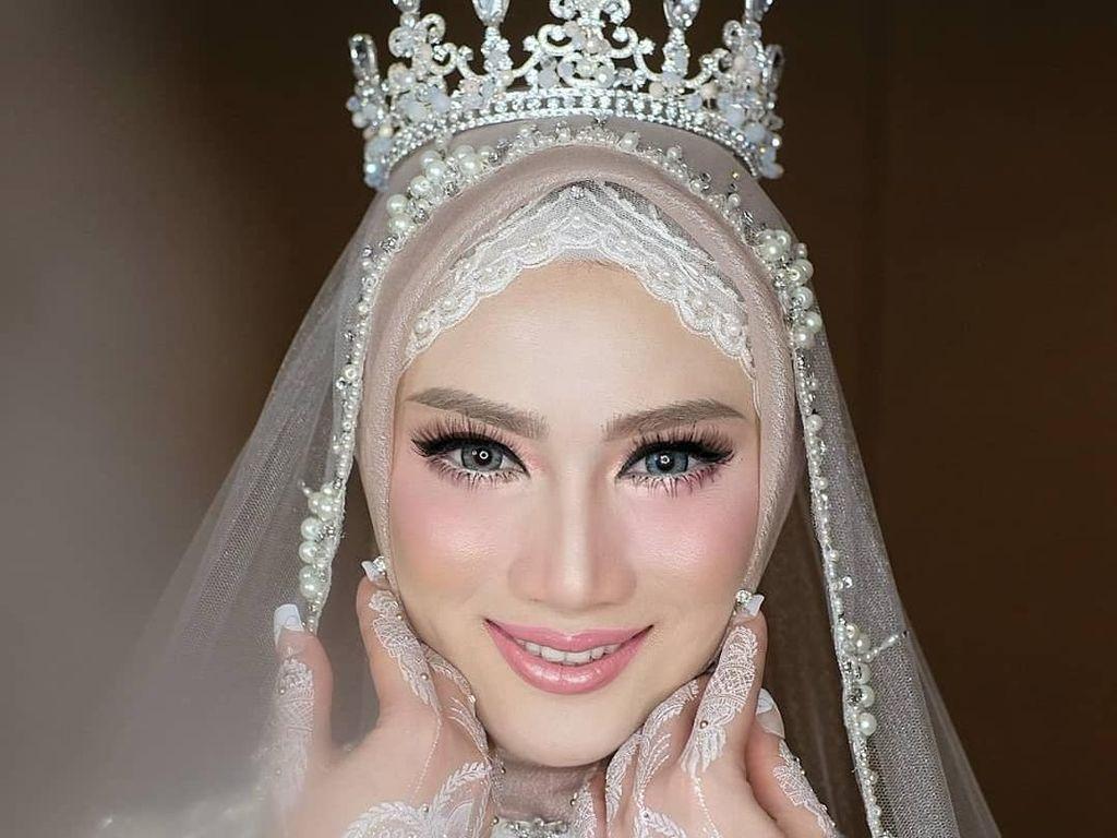 Foto: Cantiknya Melody Eks JKT 48 dari Prewedding hingga Resepsi Nikah
