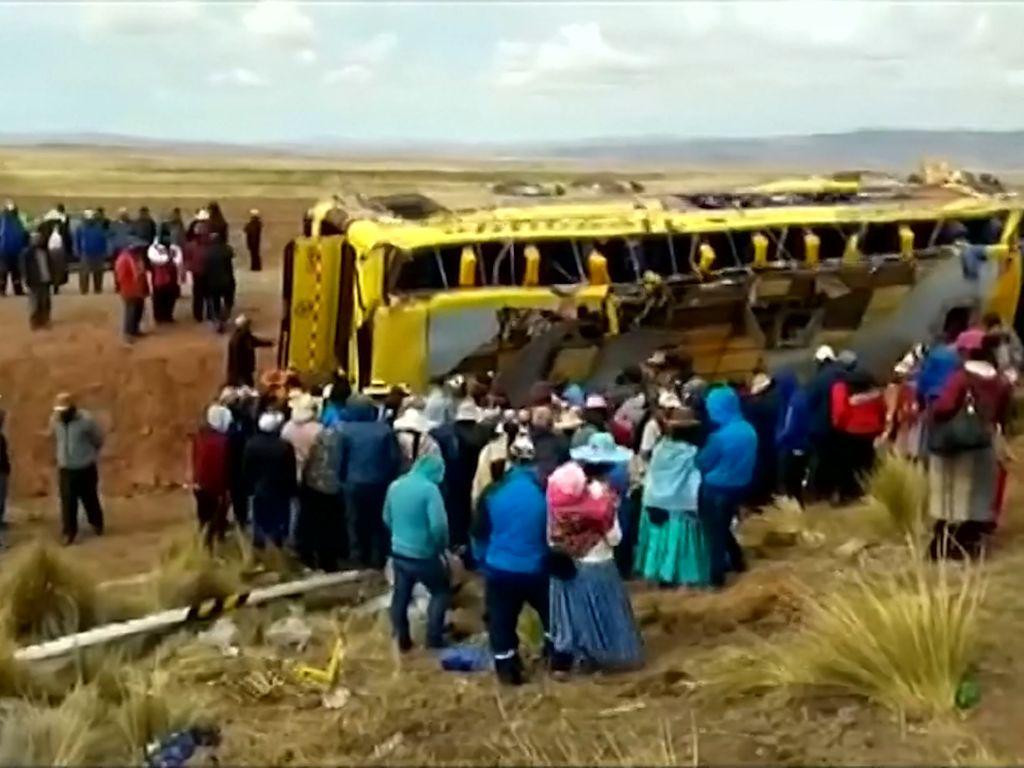 Bus Tabrak Truk di Peru, 18 Tewas