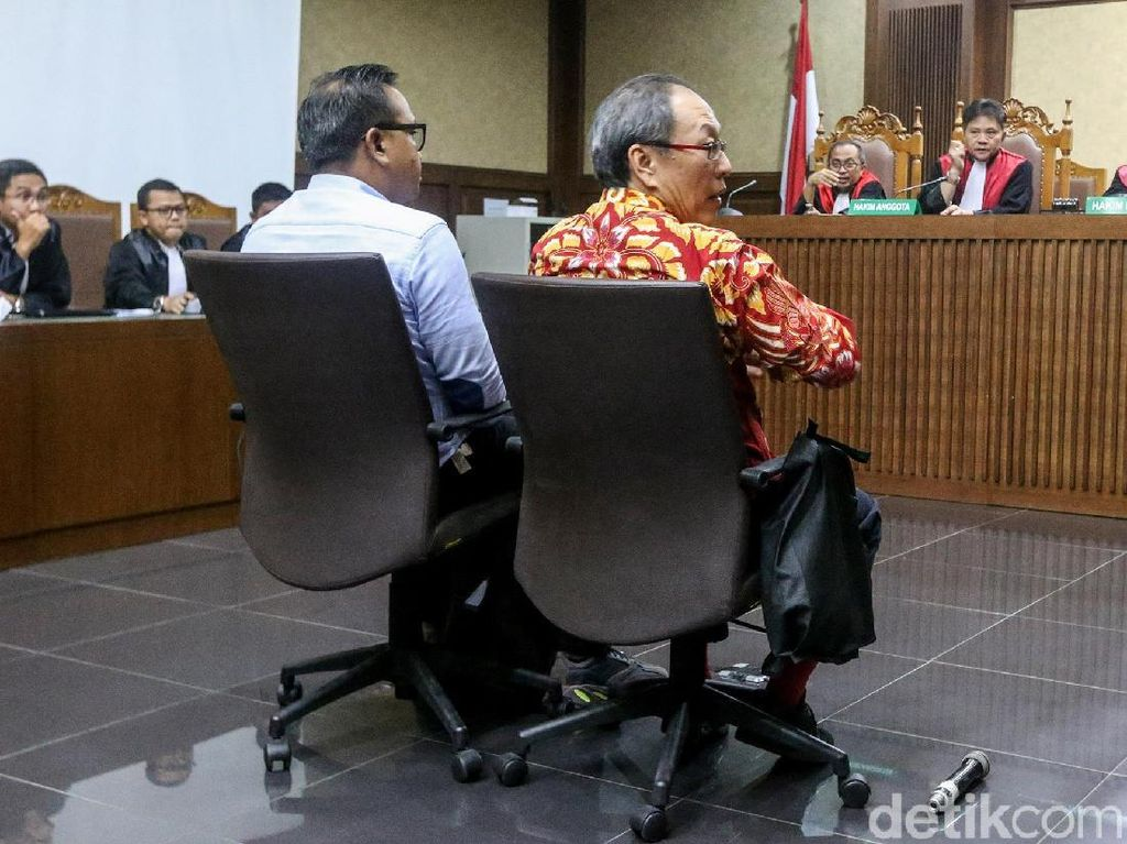 Ponakan Novanto Mengaku Salah, Nyanyi Lagi soal Duit E-KTP ke DPR