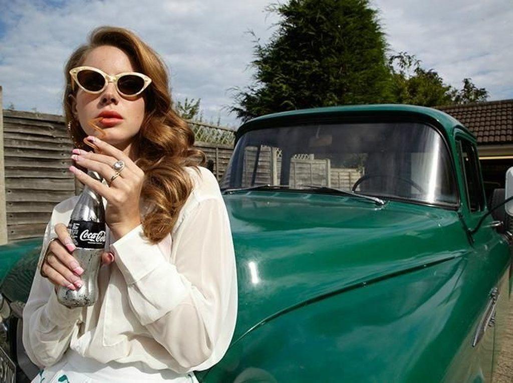 Lana Del Rey Bakal Buka Tahun dengan Single Baru