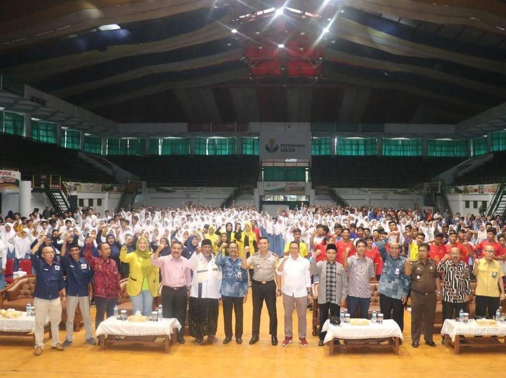 Ribuan Pelajar dan Mahasiswa Gresik Deklarasikan Jaga Indonesia