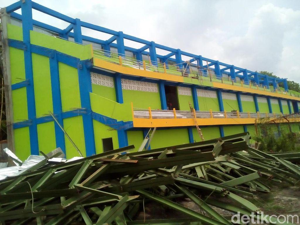 Atap Stadion Roboh, Wabup Kudus Tengarai Ada Hal Tak Beres