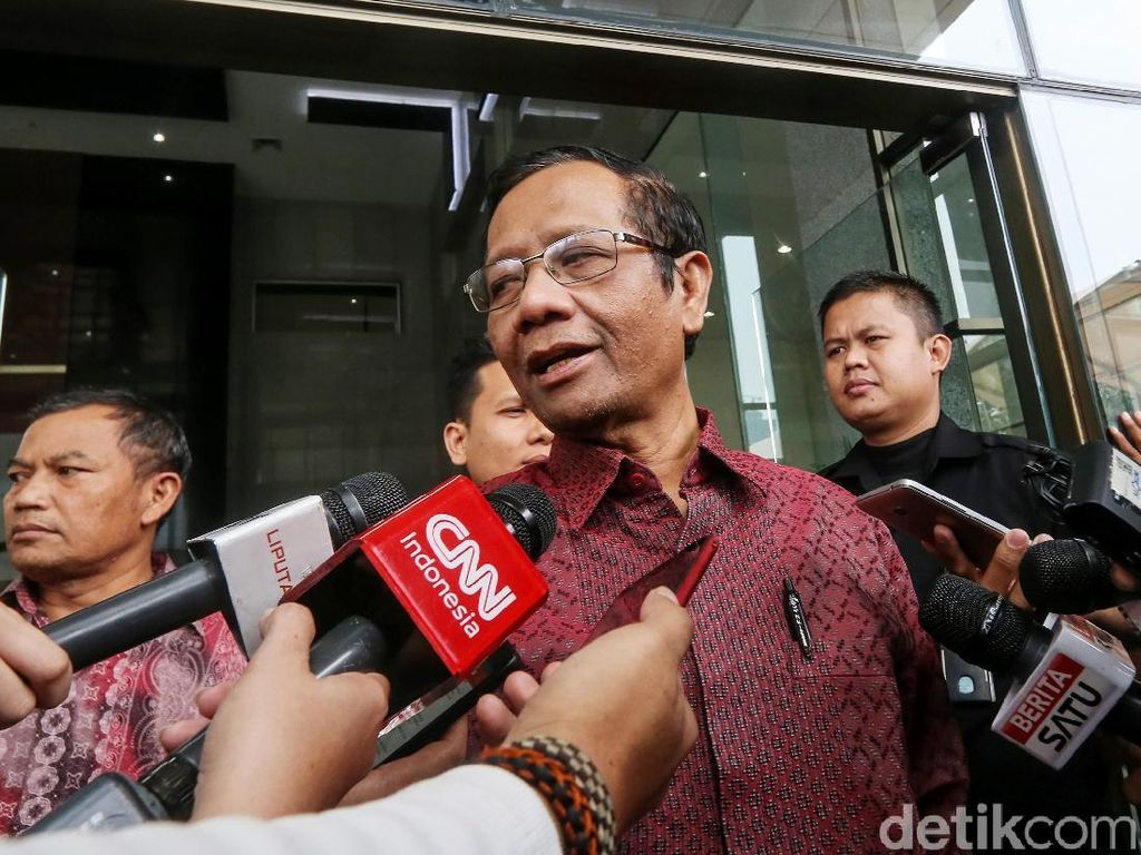 Mahfud soal Emak-Emak Kampanye Hitam ke Jokowi: Langgar UU ITE