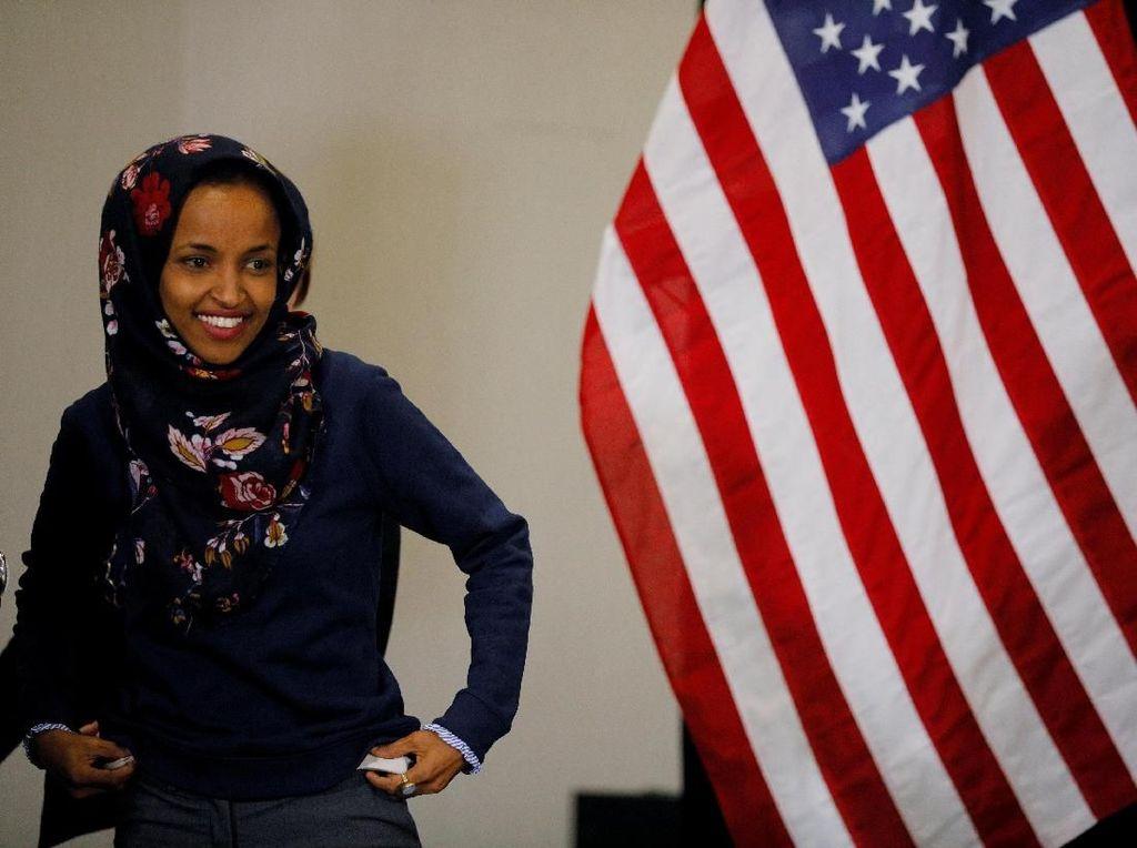 Demokrat Ubah Aturan, Ilhan Omar Bisa Berhijab di Kongres AS