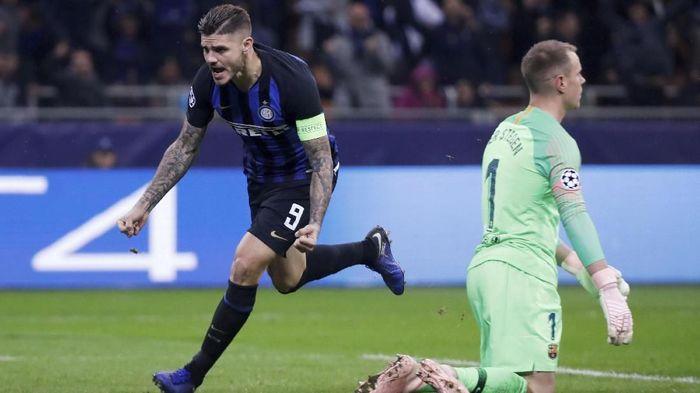 Mauro Icardi akan beradu tajam dengan Paulo Dybala saat Juventus dan Inter Milan berduel malam nanti (REUTERS/Stefano Rellandini)