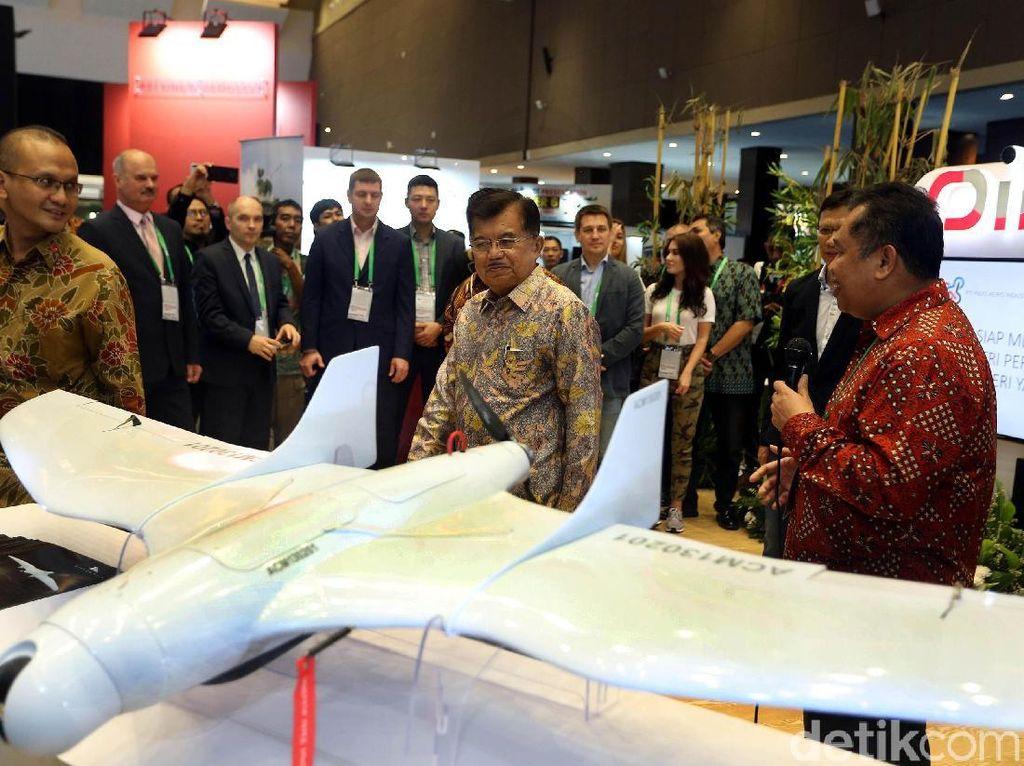 JK Buka Pameran Indo Defence 2018 Expo & Forum