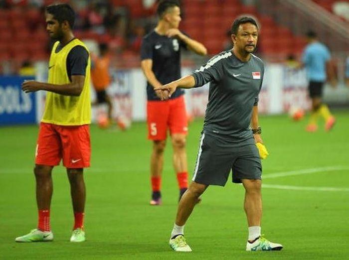 Pelatih Singapura, Fandi Ahmad, menilai Indonesia sebagai tim berbahaya. (Foto: Twitter @SGfootball)