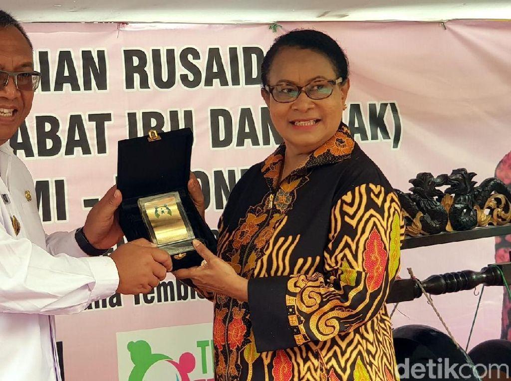 Menteri Yohana Resmikan Rumah Sahabat Ibu dan Anak di Sukabumi