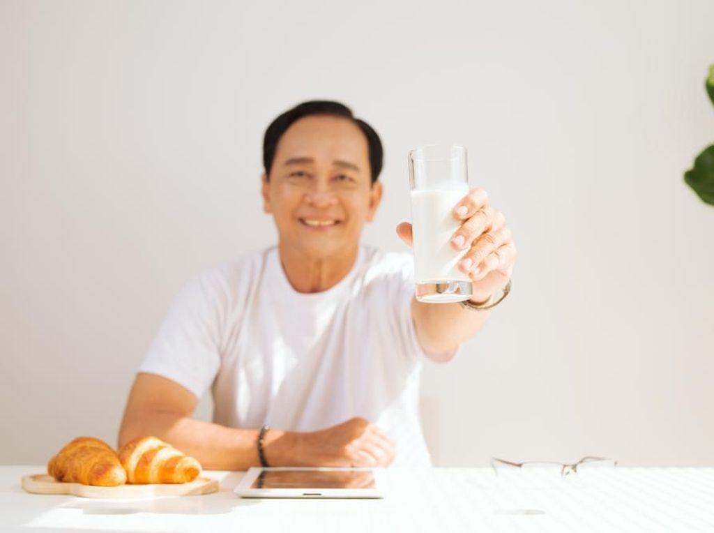 Pentingkah Minum Susu Secara Rutin bagi Usia Produktif?
