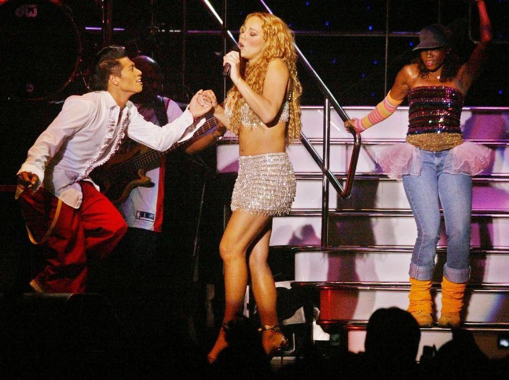 Beda Gaya Mariah Carey Konser di Indonesia Dulu dan Sekarang, Seksian Mana?