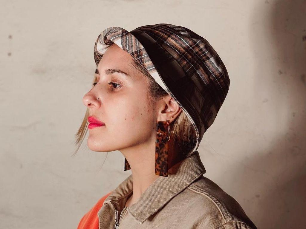 Blogger Dina Tokio Umumkan Tak Lagi Berhijab