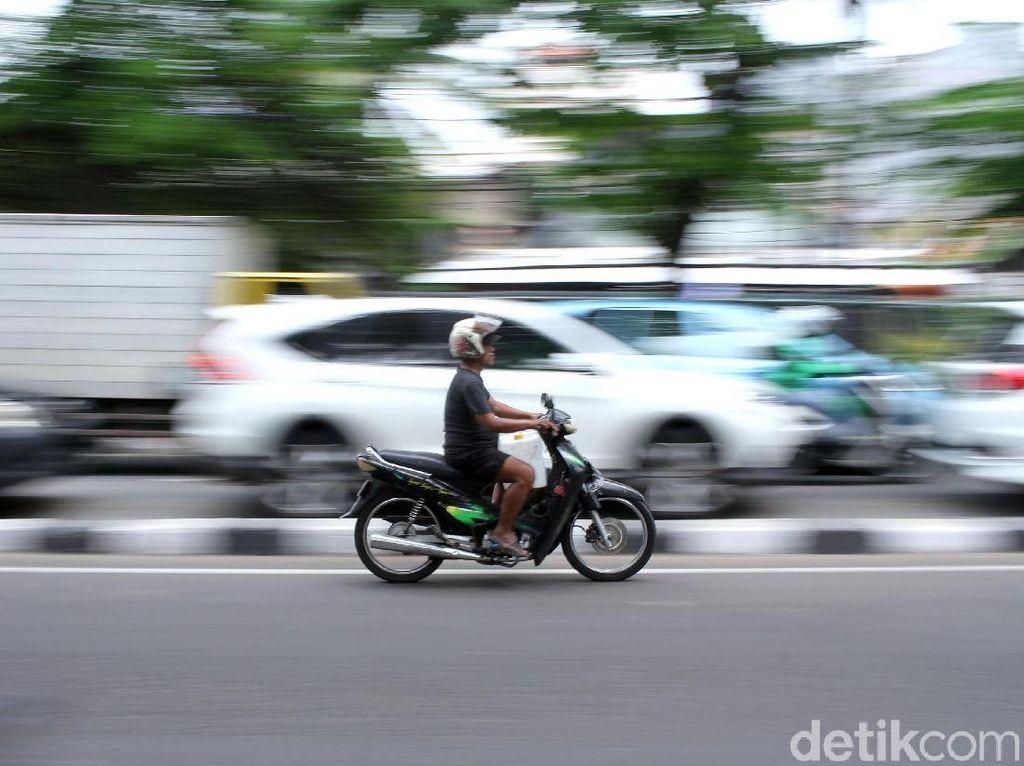 Bandel! Masih Banyak Pengendara Nekat Lawan Arah di Jakarta