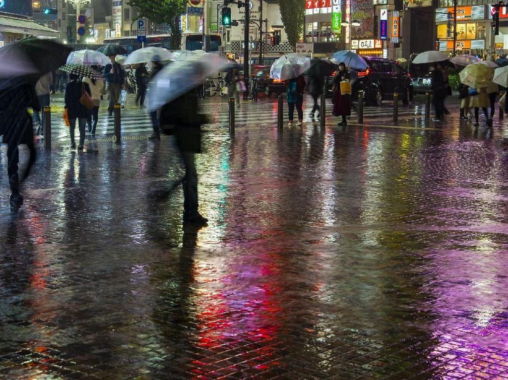 Hujan Deras Guyur Jakarta dan Sekitarnya