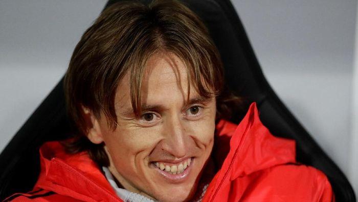 Luka Modric cuma jadi cadangan di laga ini mengingat performanya tengah menurun belakangan ini. (David W Cerny/REUTERS)